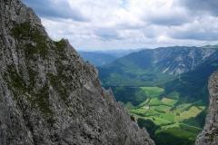 Am Zahmen Gamseck ist ein Klettersteigset samt Helm ein sinnvoller Begleiter.